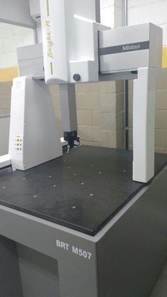 Máquina de medição tridimensional por coordenadas
